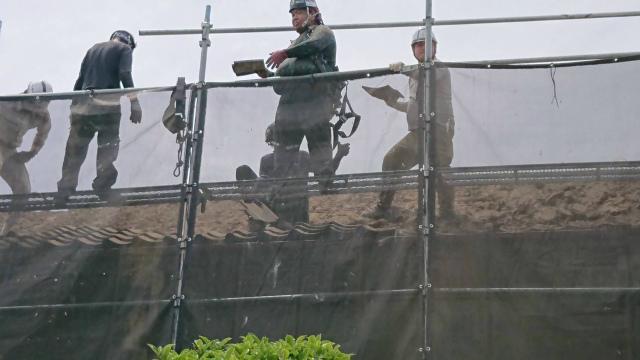 久喜市で瓦屋根の葺き替え工事を行いました