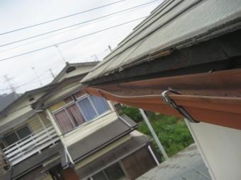 上尾市で屋根と雨樋の現場調査