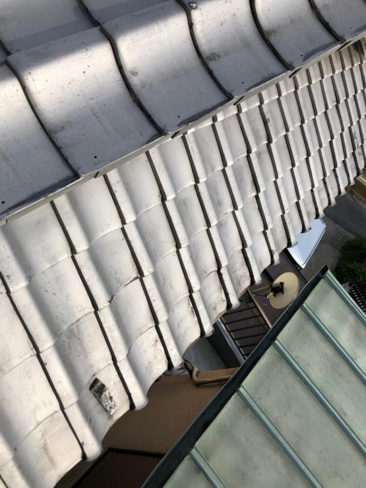瓦屋根 欠け 写真