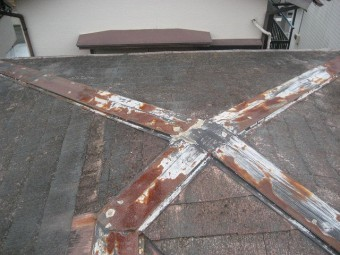 桶川市で雨樋と屋根の現場調査