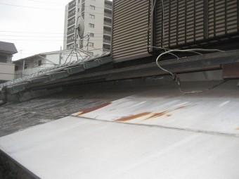 上尾市で雨樋と屋根の現場調査