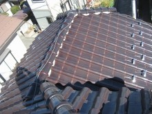 久喜市で瓦屋根の現場調査