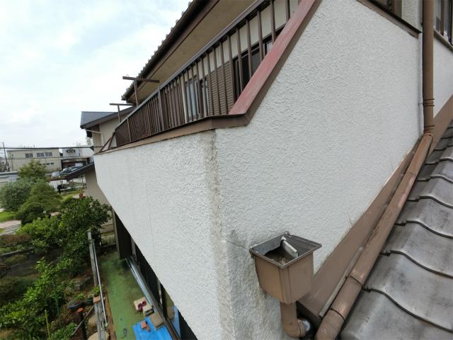 上尾市で経年劣化による屋根、外壁等の傷みで全体的に調査を行いました
