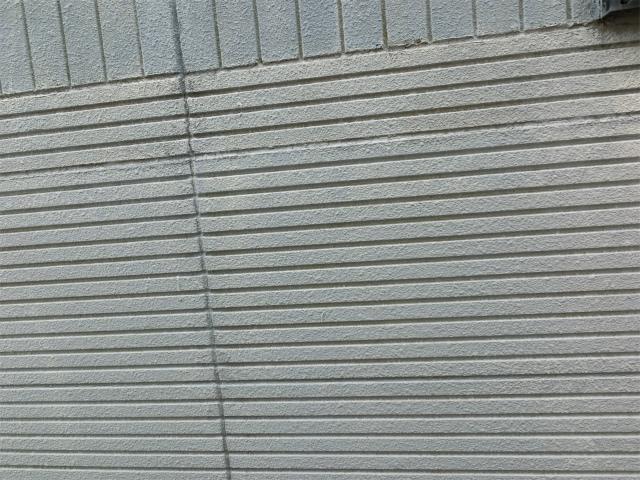 上尾市で外壁の塗装剥がれ、屋根の劣化もあり現地調査です