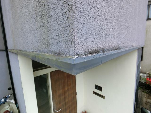 町田市で外壁のひび割れ、雨樋の汚れ等あり調査です