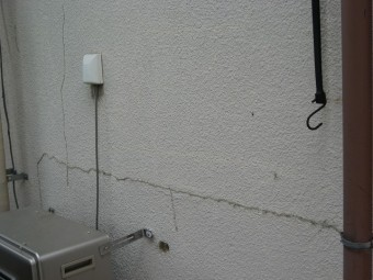 羽生市外壁ひび割れ写真
