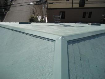 川越市アパートの屋根 写真