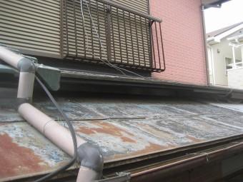 トタン屋根剥がれ
