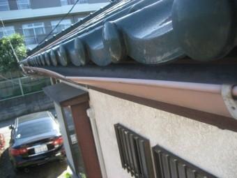 川越市の雨樋の歪み写真