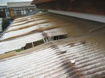 宮代町でトタン屋根の現場調査