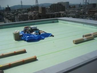 相模原市で防水シートの張替え工事