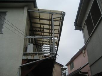 練馬区でトタン屋根の現場調査
