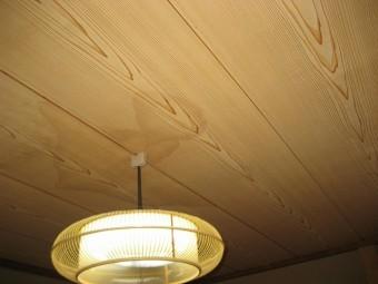 室内の天井雨漏り