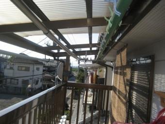 トタン屋根右半分の写真