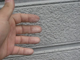 伊奈町の外壁チョーキング