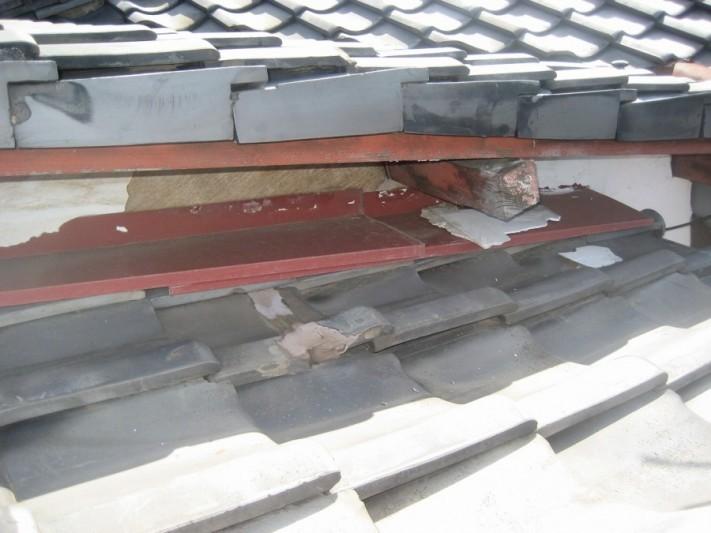 上尾市の瓦屋根の漆喰剥がれ