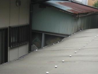 加須市トタン屋根写真