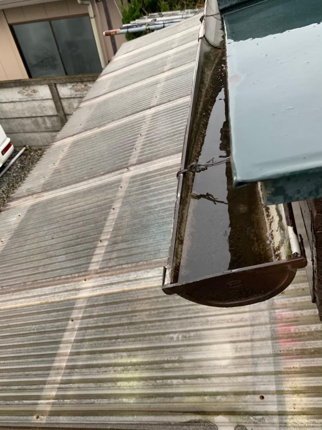 雨樋の水溜り