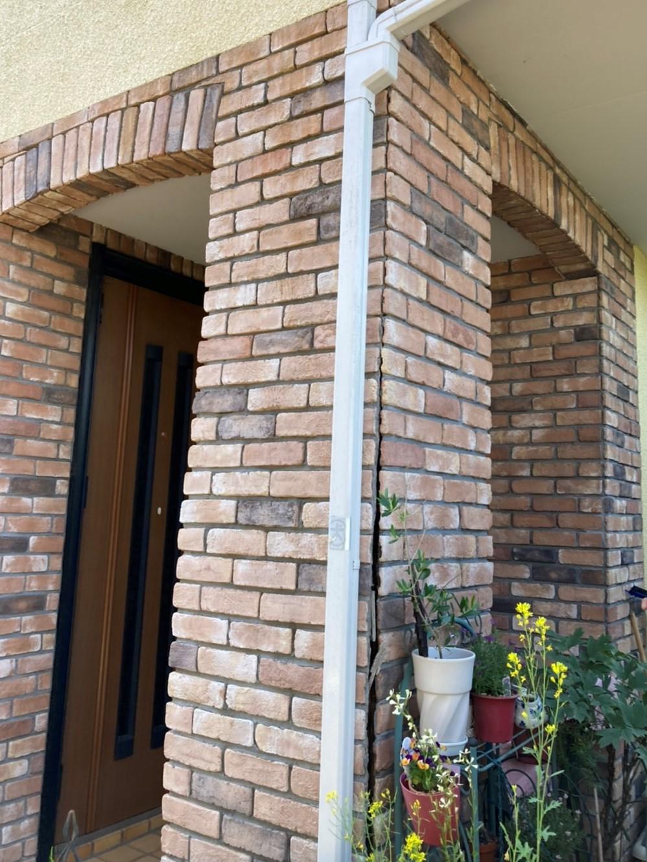 さいたま市で玄関の柱の補修、ベランダの塗装を行いました