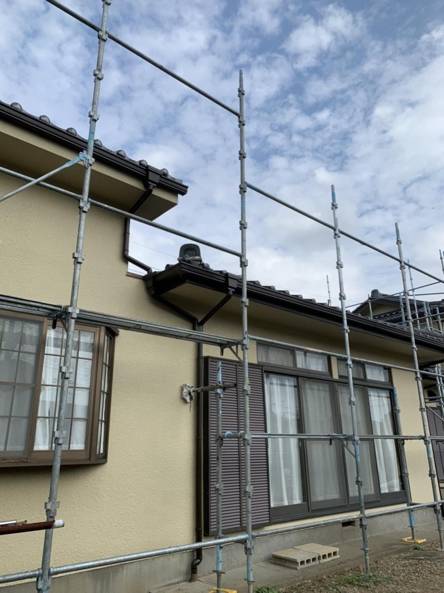 屋根の葺き替え工事 足場設置