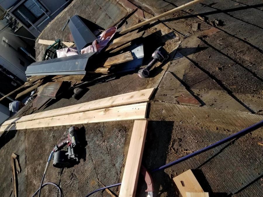 台風による屋根の工事写真