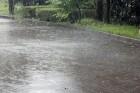 台風による大雨の写真