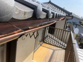 上尾市 雨樋の針金で固定