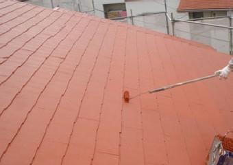 屋根の美しさを上げる仕上げの上塗り